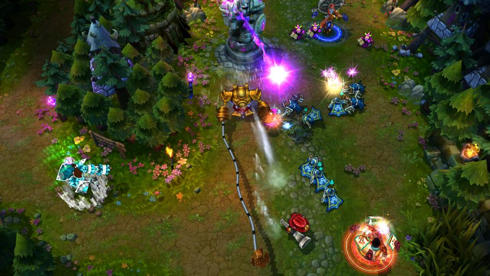 Gameplay from League of Legends. Heroes battle an advancing line of enemies from a top-down perspective.
